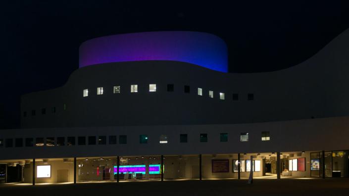 LED Fassadenbeleuchtung bei Nacht